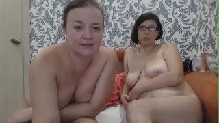 russian lesbian milf webcam xxx on Xvideos