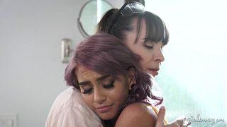 Sad Wife and the Lesbian Female Builder – Janice Griffith, Dana DeArmond